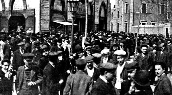 1919 assemblea a les Arenes pel final de la vaga de la Canad